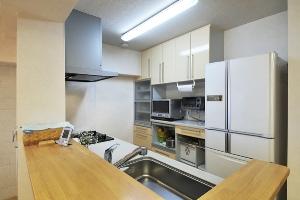 オープンスタイルのキッチンにより、ゆとりあふれる明るいLDKが誕生