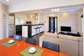 2階に大空間LDKを新設。ライフワークの音楽も楽しめるスタイリッシュで快適な住まいに